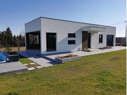 Moderna vikend kuća na obali Dunava